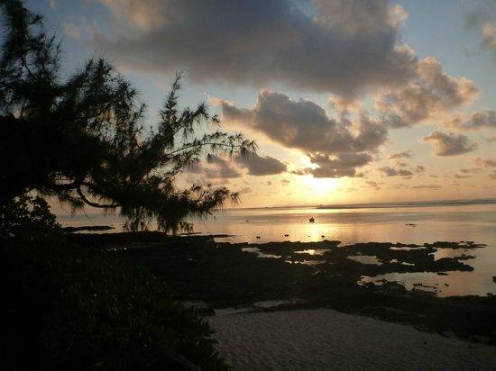 Chantauvent Guesthouse - Maison d'Hôtes : Sunrise at the beach