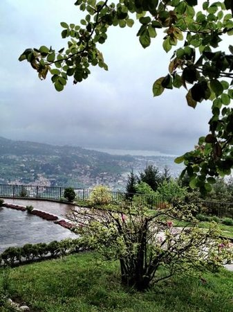 Eremo San Salvatore: Panorama su Erba