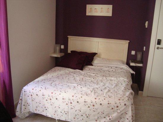 Hostal Barrera: Comfortable bed