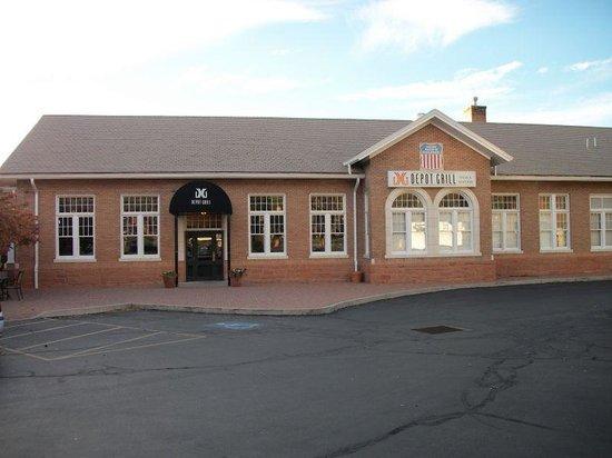 Depot Grill - Outside