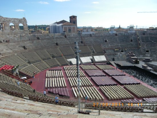 Arena di verona eros picture of arena di verona verona for Interieur u arena