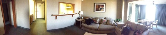 Clarion Hotel Anaheim Resort: suite