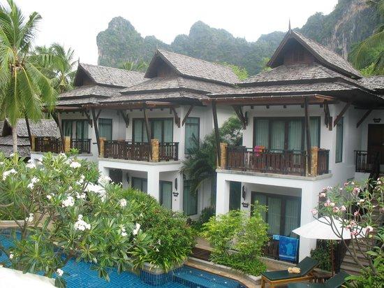 Railay Village Resort : Виллы у бассейна.