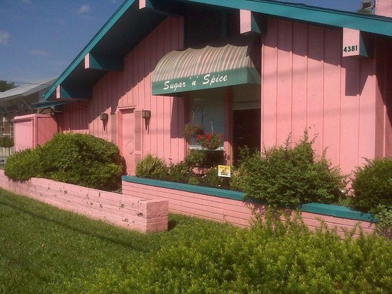 Photo of American Restaurant Sugar'n Spice Restaurant at 4381 Reading Rd, Cincinnati, OH 45229, United States