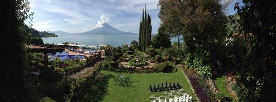 Hotel Atitlan: gardens at Atitlan