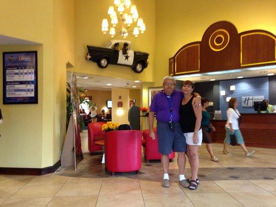 Holiday Inn Express Hotel & Suites Universal Studios Orlando: En el lobby
