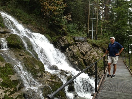 Grandhotel Giessbach: On our hike