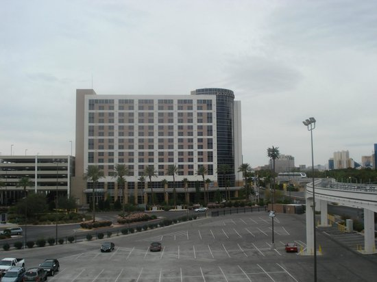 Renaissance Las Vegas Hotel: Hotel from LVCC car park - pan left & you would see South Hall