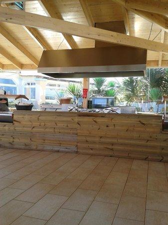 Golden Star Hotel : salle a manger terrasse