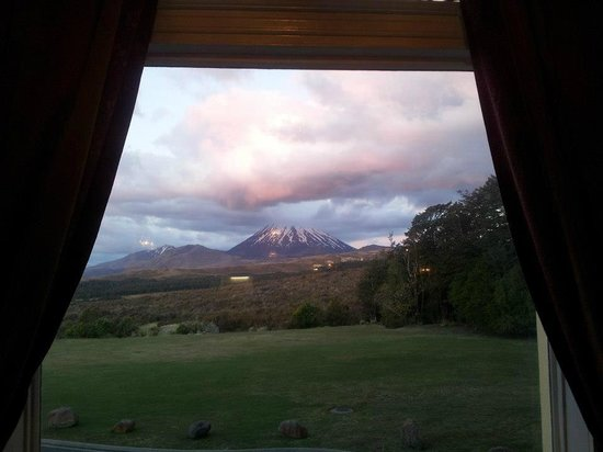 Chateau Tongariro Hotel : View from the lounge