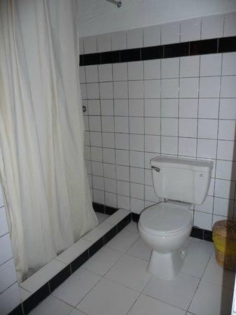 Ninos Hotel Meloc: bathroom