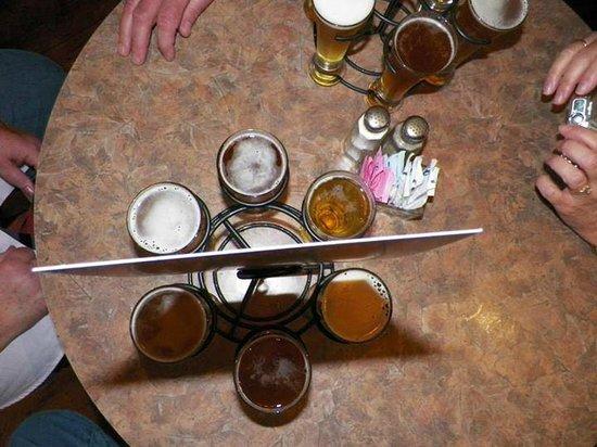 Adirondack Pub & Brewery: Flight of beer.