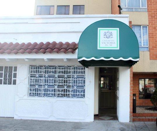 Casa Hotel Victoria Av 30: Entrada Principal