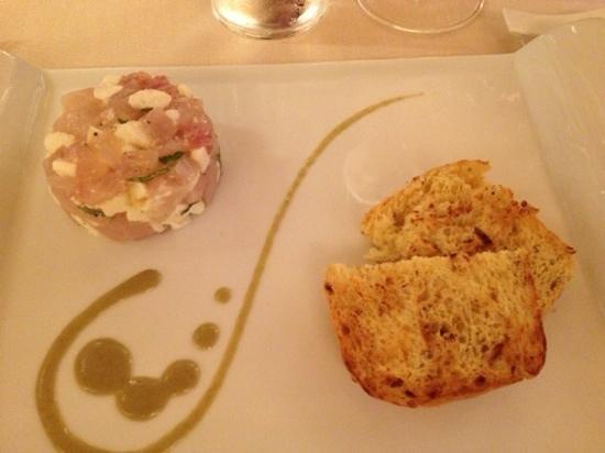 Osteria Ai do Campanili: crudo di branzino con burrata e basilico