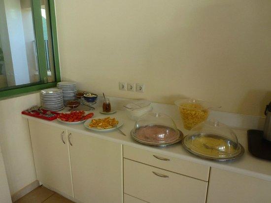 Livadaki Village Hotel: Breakfast