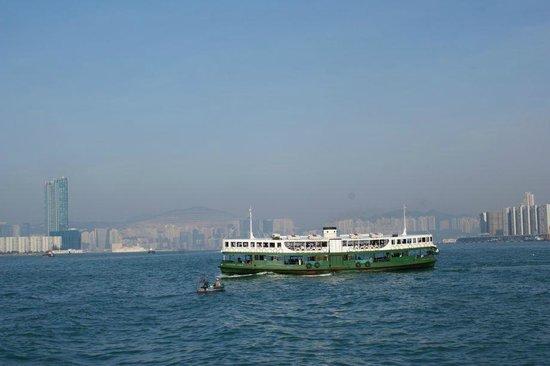 อ่าววิคตอเรีย: Star Ferry, over a century old
