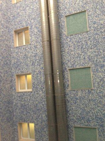 Salles Hotel Pere IV : aeratori piscina romorosissimi