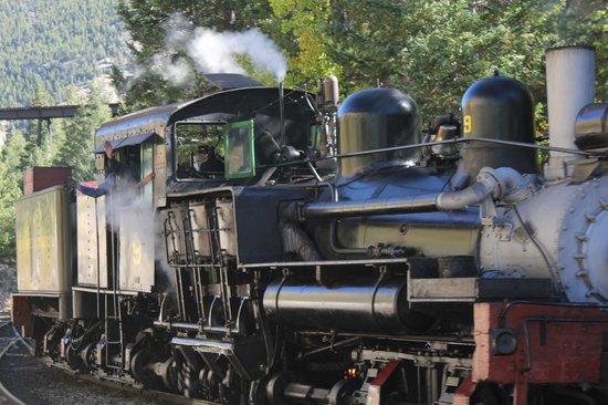 Georgetown Loop Historic Railroad: engine turning around