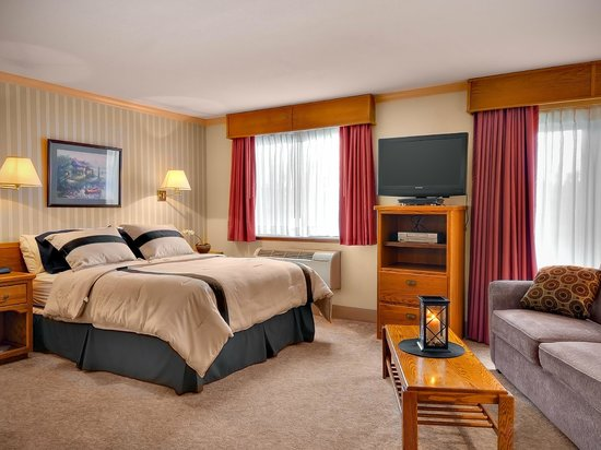 The Coachman Inn & Suites : Deluxe Queen Suite