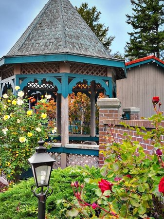 The Coachman Inn: Jacuzzi Gazebo