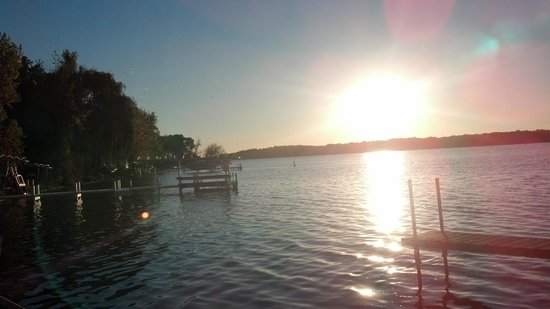 Delavan Lake Resort: Sunset in October