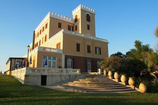 Villa Las Tronas Hotel  & Spa: The hotel.