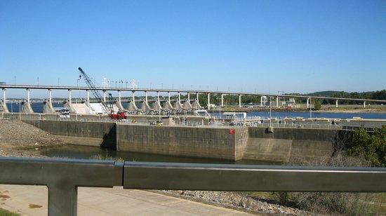 Big Dam Bridge : The Dam Bridge