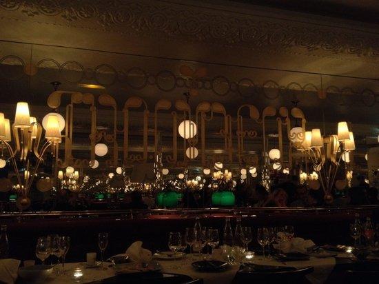 Brasserie Thoumieux : La salle assez peu éclairée, dommage
