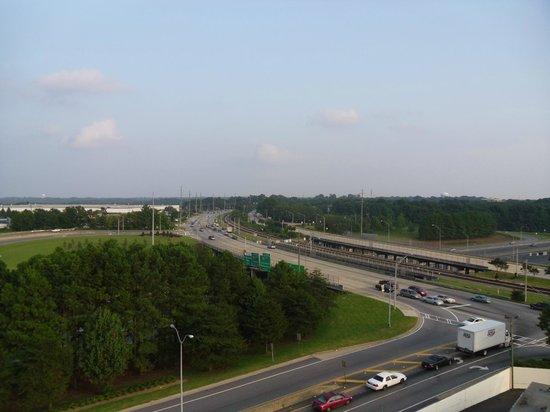 Best Western Plus Atlanta Airport-East: Near to major road juction