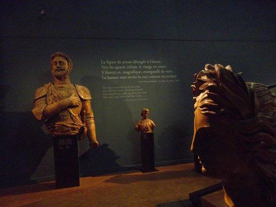 Musee de la Marine: le visage des navires.