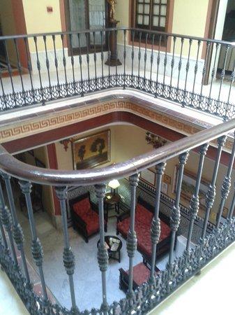 Casona de San Andres Hotel: Intérieur de l'hôtel - fenêtre de la chambre.