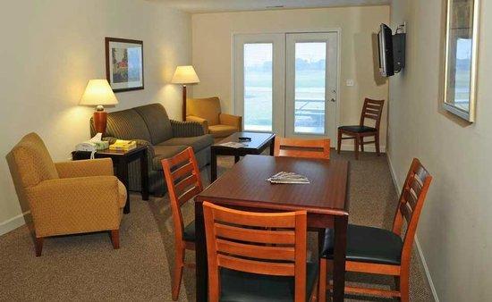 Longview Golf Club: Living room