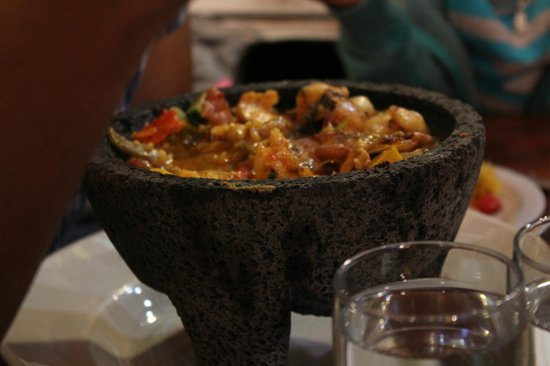 Salsa Mexican Caribbean Restaurant: Grilled Salmon & Shrimp Molcajete