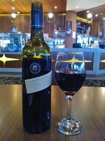 Mercure Melbourne Caroline Springs: Good wine
