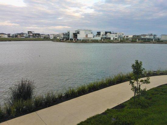 Mercure Melbourne Caroline Springs: Lake Caroline