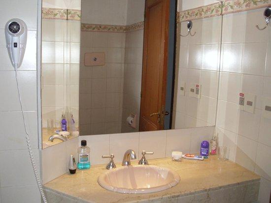 Hotel Beltran: baño