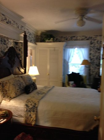 Captain David Kelley House: One of the beautiful rooms....