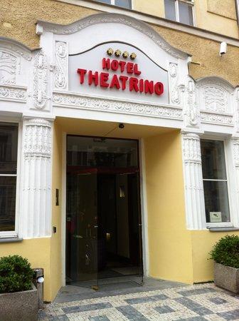 Hotel  Theatrino: Front of Hotel
