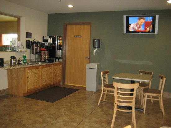 Super 8 Darlington: Darlington, Super 8,  Lobby