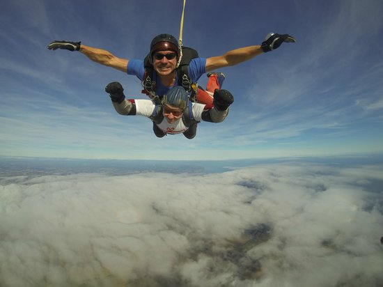 Skydive GB: I am flying!!! - Hi Mum xx