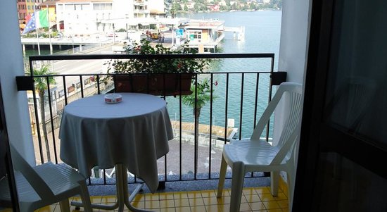 Hotel Socrate : balcone sul lago