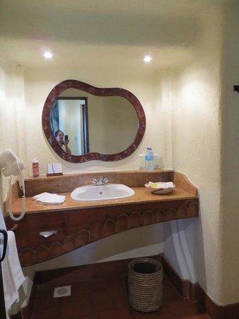 Lake Manyara Serena Lodge: bathroom