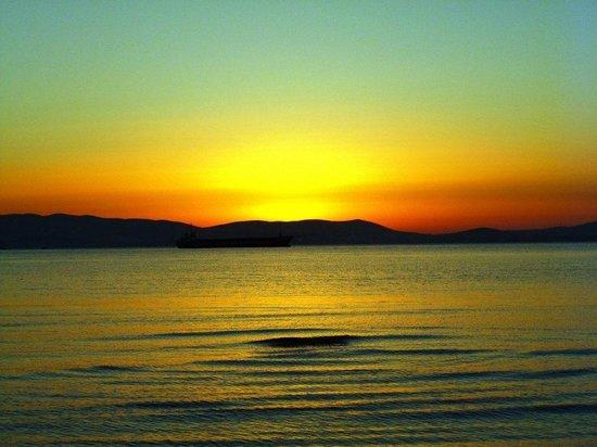 Saint Vlassis Hotel : sunset in Naxos