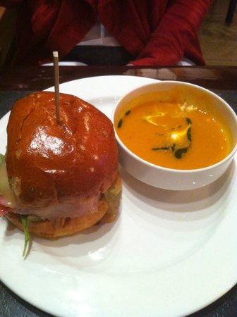 The Bistro at Hillside Winery: Her dinner - BIG burger, yummy soup.