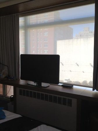 Aloft Harlem : view with the window close