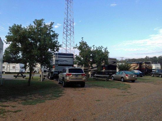 Pavillion RV Park: Pull-through sites