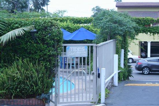 The Tides Laguna Beach: Pool area