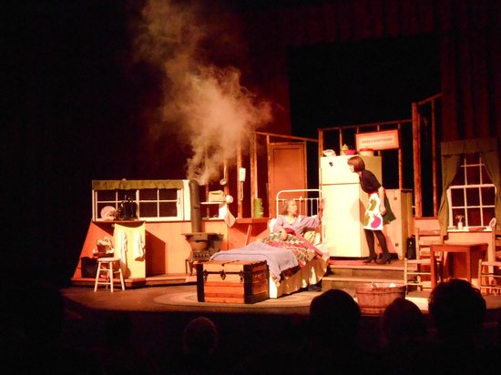 Brown County Playhouse: Glorie learning about using a wood stove