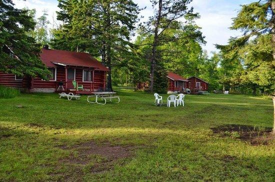 Lamb's Resort: Lakeside cabins