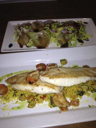 Waimea Restaurant: Fish of the Day with fresh Salad